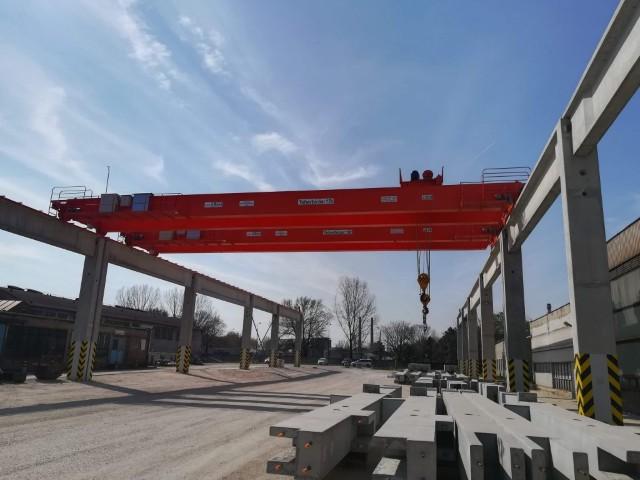 FerroBeton BKH 15t/25m – 2-2db tandem üzemű kétfőtartós híddaru gyártása, telepítése